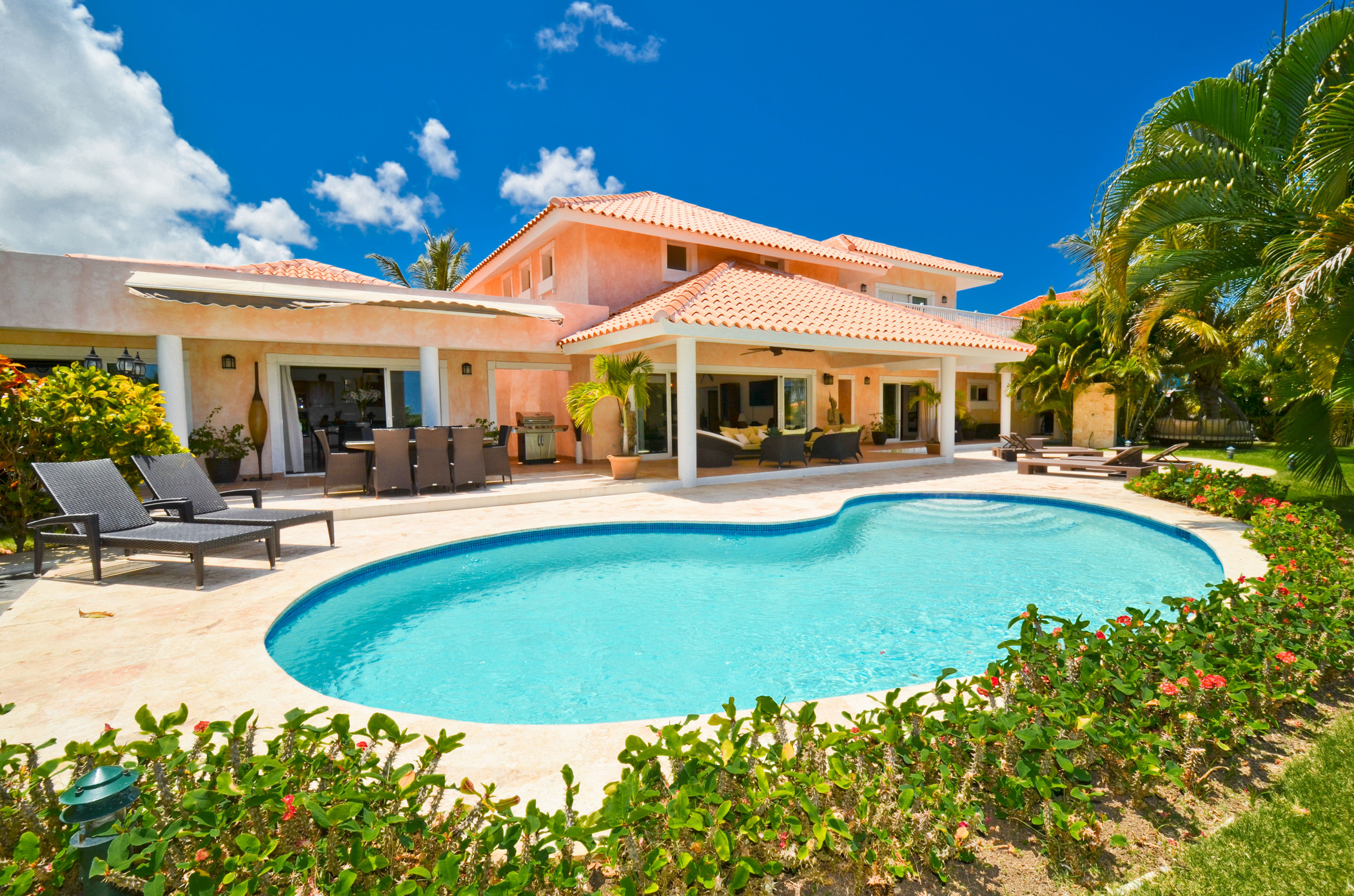 Tropical luxury villa