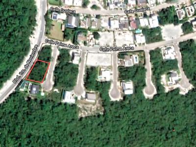 Large plot for building a villa