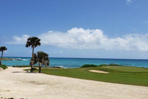 Beachfront villa in Cap Cana
